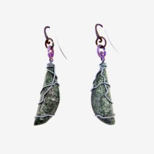 mizar - fuchsite earring pic2