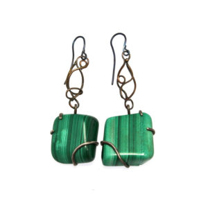 mizar - malachite earrings pic1