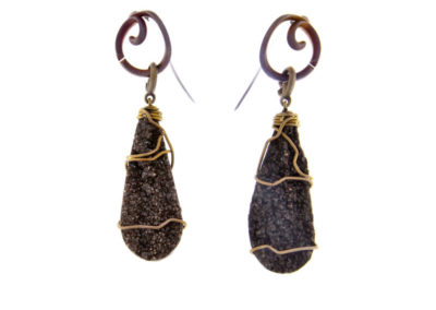 merak - fossil wood earrings with golden finish pic1