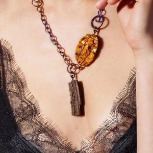 mizar - fossil wood pendant golden finish pic3
